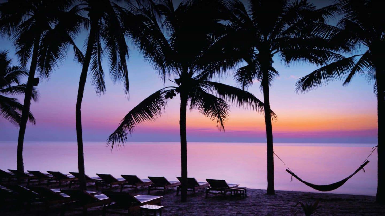 https://assets.anantara.com/image/upload/q_auto,f_auto/media/minor/anantara/images/anantara-hua-hin-resort/the-resort/desktop-banner/anantara_hua_hin_beach_sunset_header_1920x1080.jpg