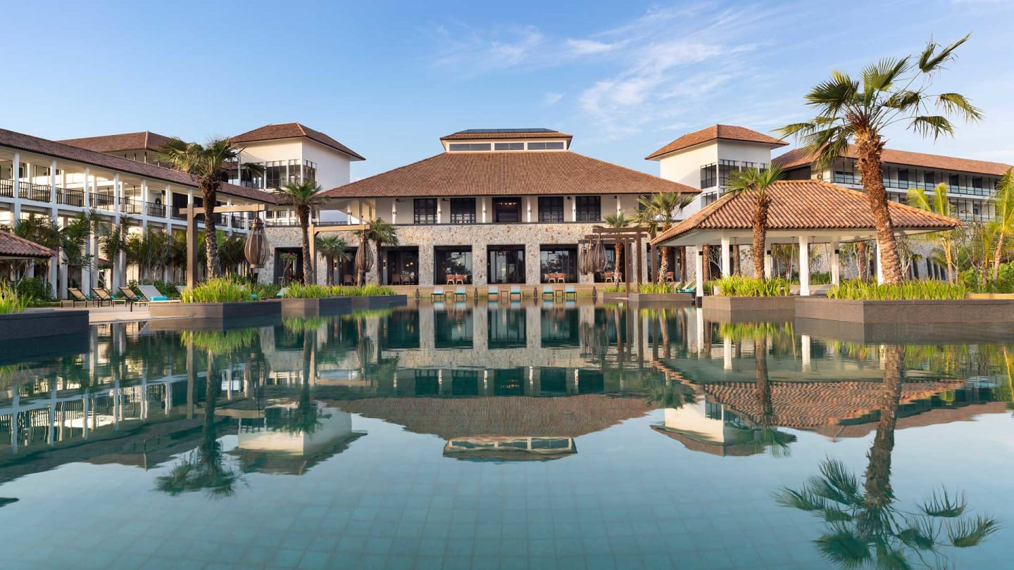 https://assets.anantara.com/image/upload/q_auto,f_auto/media/minor/anantara/images/anantara-desaru-coast-resort-villas/the-resort/anantara_desaru_coast_homepage_fallback_1920x1080.jpg