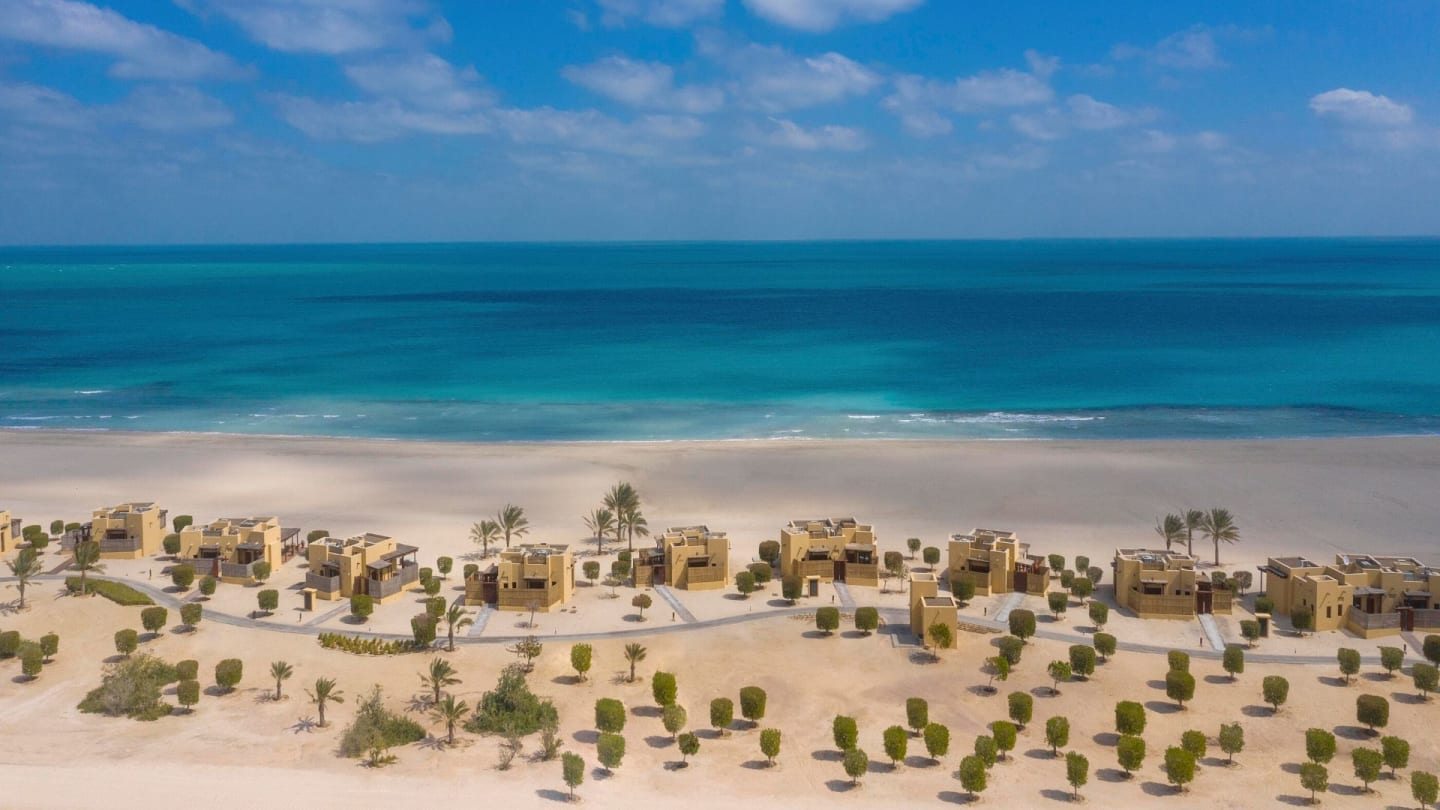 https://assets.anantara.com/image/upload/q_auto,f_auto/media/minor/anantara/images/anantara-sir-bani-yas-island-al-yamm-villa-resort/the-resort/desktop-banner/anantara_al_yamm_villa_resort_desktop_banner_2020_1920x1080.jpg