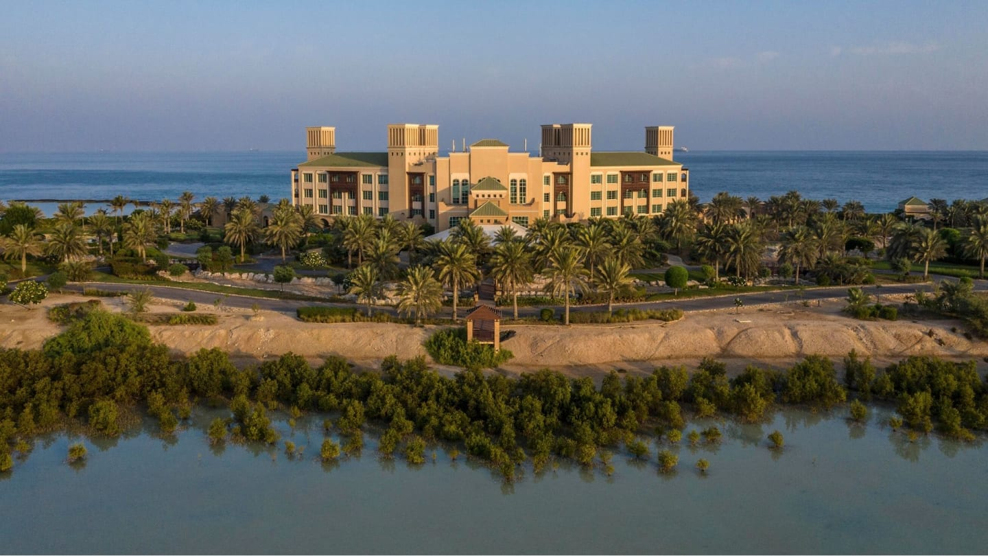 https://assets.anantara.com/image/upload/q_auto,f_auto/media/minor/anantara/images/desert-islands-resort--spa-by-anantara/the-resort/desktop-banner/desert_islands_resort_and_spa_by_anantara_desktop_banner_2020_1920x1080.jpg