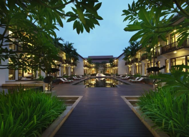 Step beyond Pub Street to uncover Siem Reaps foodie scene with Anantara Angkor Resort.