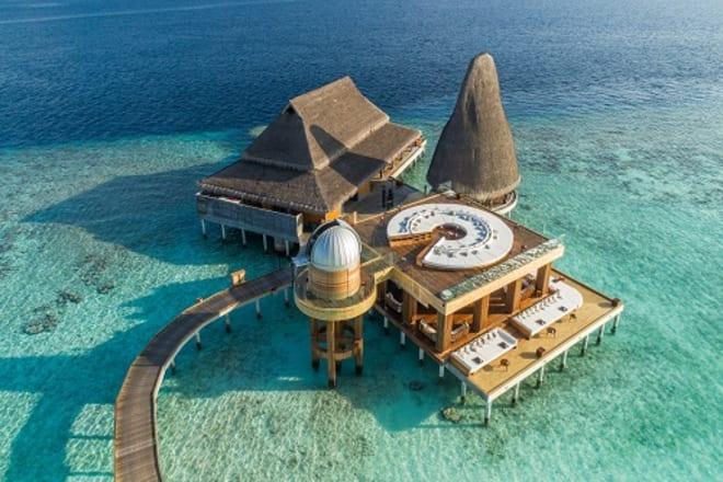 Discover the Sky at Night With Anantara Kihavah Maldives Villas