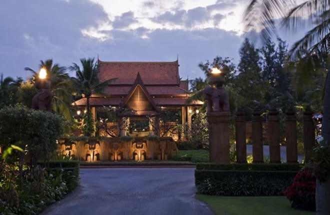 "Anantara Hua Hin Resort Recognized With Condé Nast Traveler's 2018 Readers' Choice Award   ""#14  Top Resorts in Asia"""