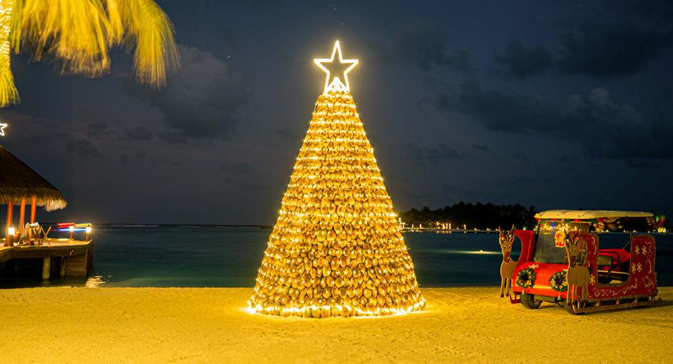 Anantara Dhigu Maldives Christmas Tree