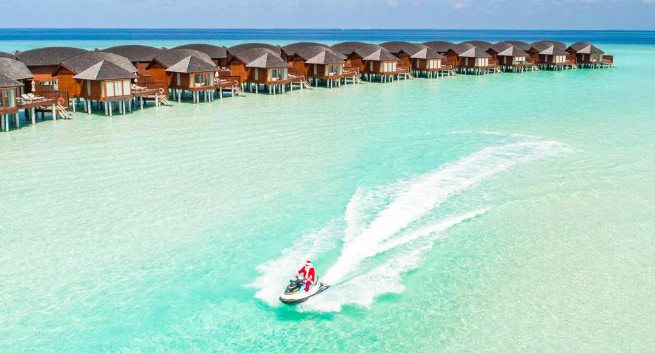 Anantara Dhigu Maldives Festive Santa Lagoon