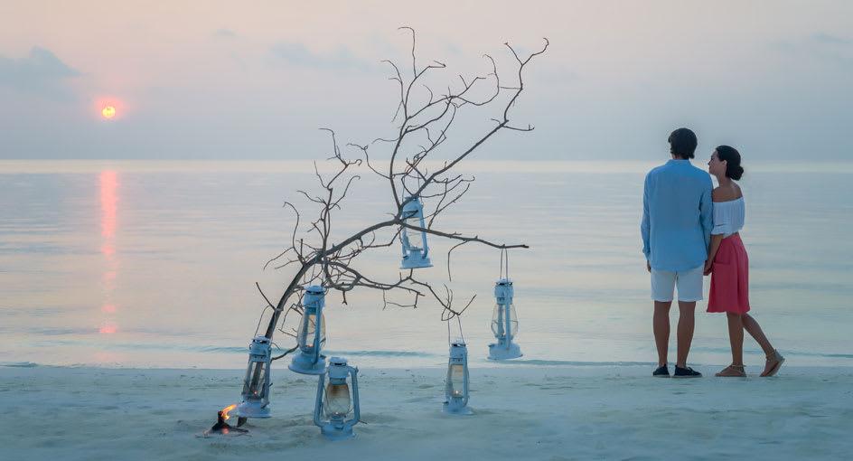 Anantara Dhigu Maldives Couple on the Beach