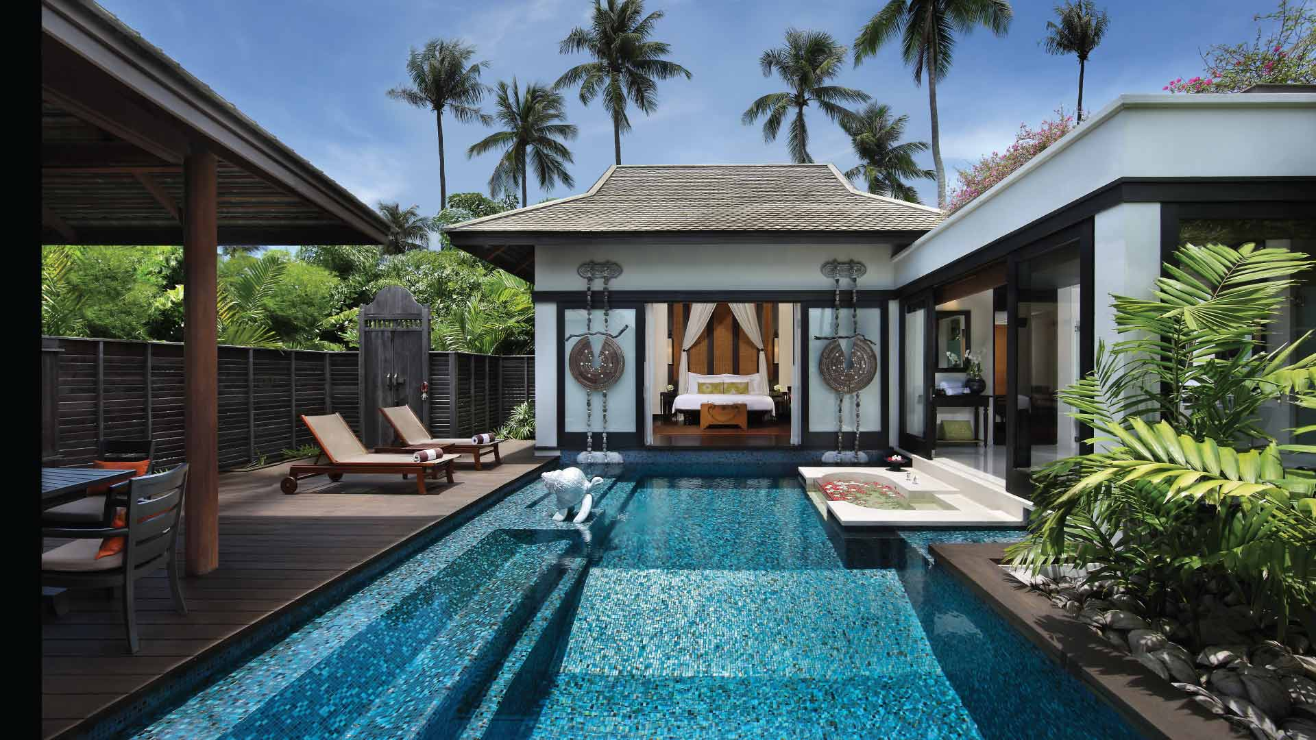 https://assets.anantara.com/image/upload/q_auto,f_auto/media/minor/anantara/images/anantara-mai-khao-phuket-villas/the-resort/desktop-banner/anantara_maikhao_phuket_poolvilla_header_1920x1080.jpg