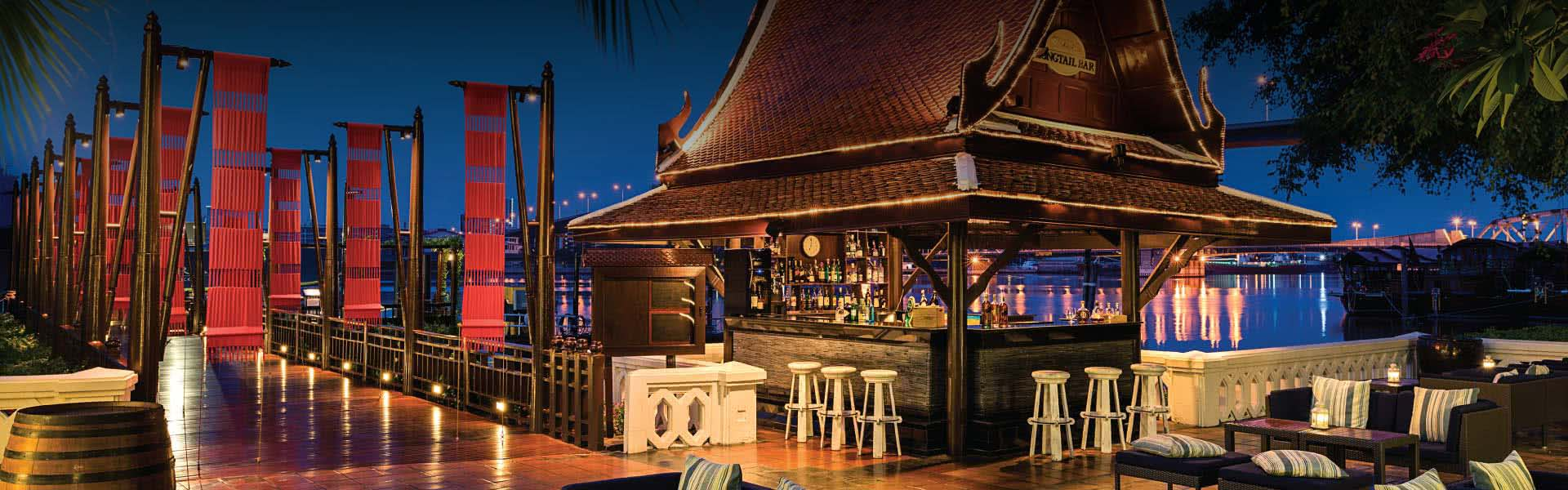 Bars in Bangkok Riverside | Longtail Bar at Anantara Bangkok