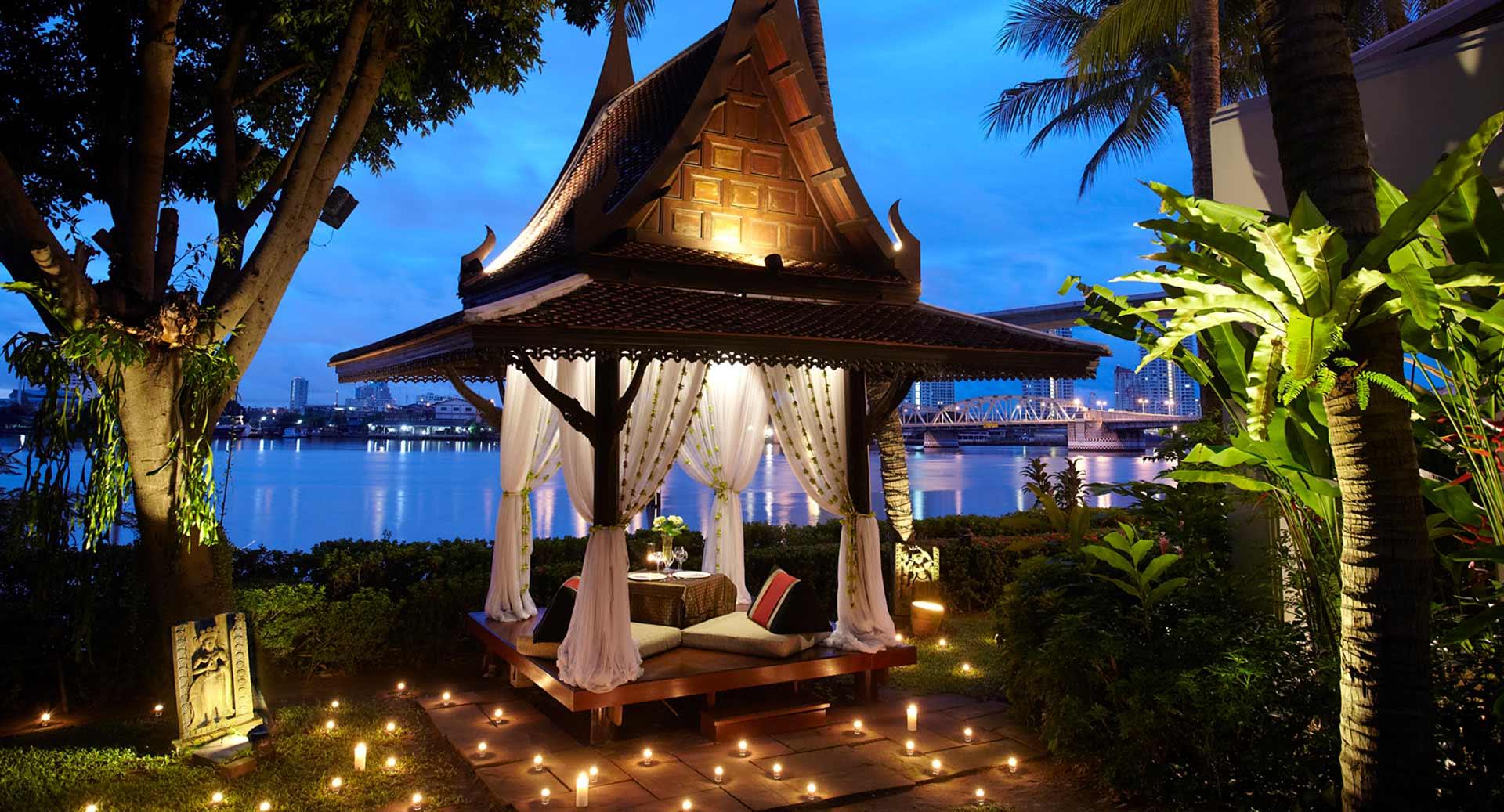 Do anyone help me in this matter?  Anantara_riverside_bangkok_dining_by_design_1920x1037