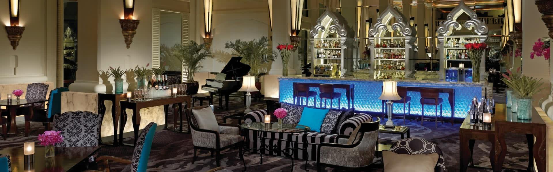 Best Hotel Bars Bangkok Anantara Siam Happy Hour At Aqua Bar