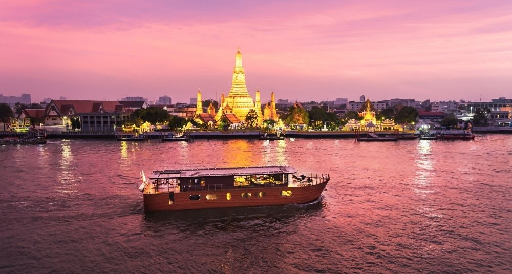 Luxury Cruise in Bangkok's Chaophraya River