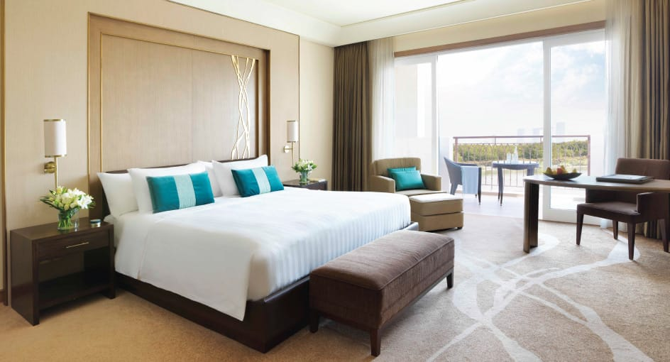 Deluxe Mangroves Balcony Room with Spacious Bed at Eastern Mangroves