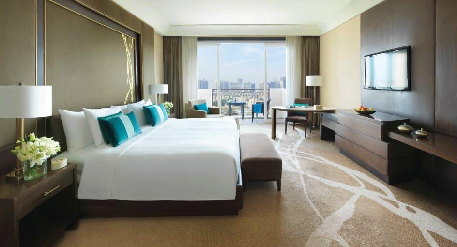Spacious Bed at Kasara Executive Room of Eastern Mangroves Hotel Abu Dhabi