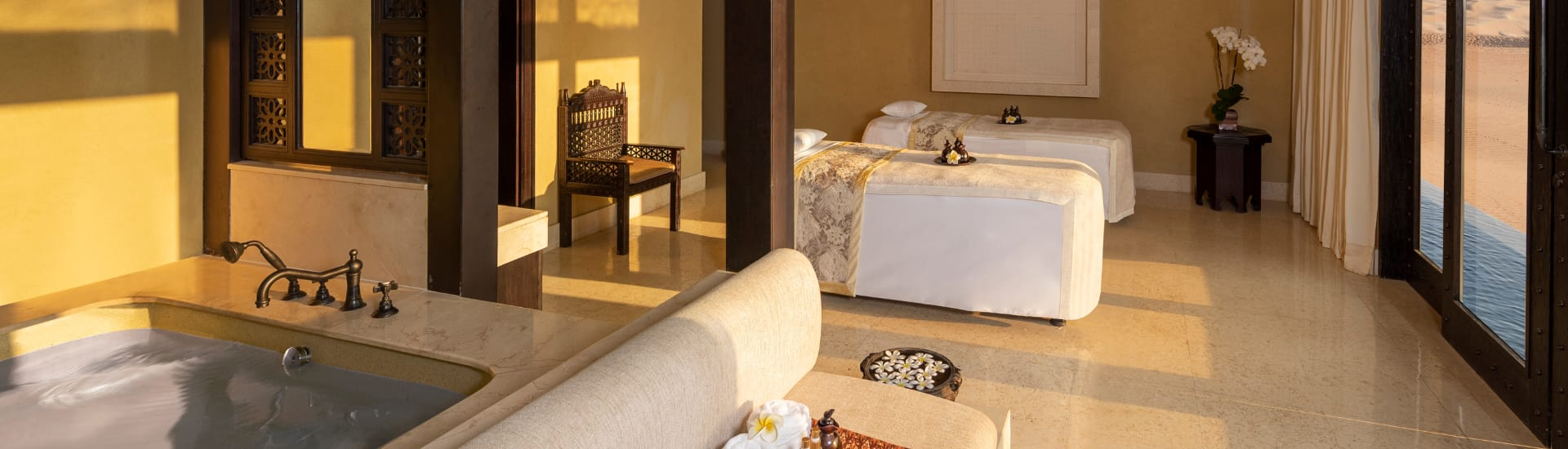 Jacuzzi at Couple Spa Treatment Room