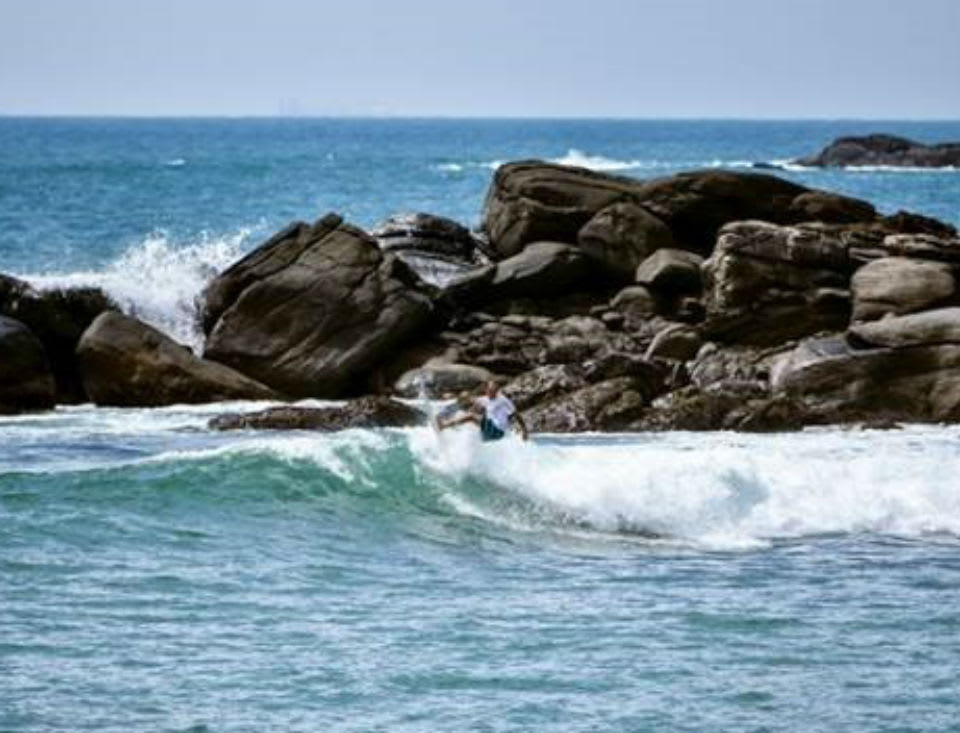 Discover the Art of Luxury Surfing at Anantara Tangalle in Sri Lanka