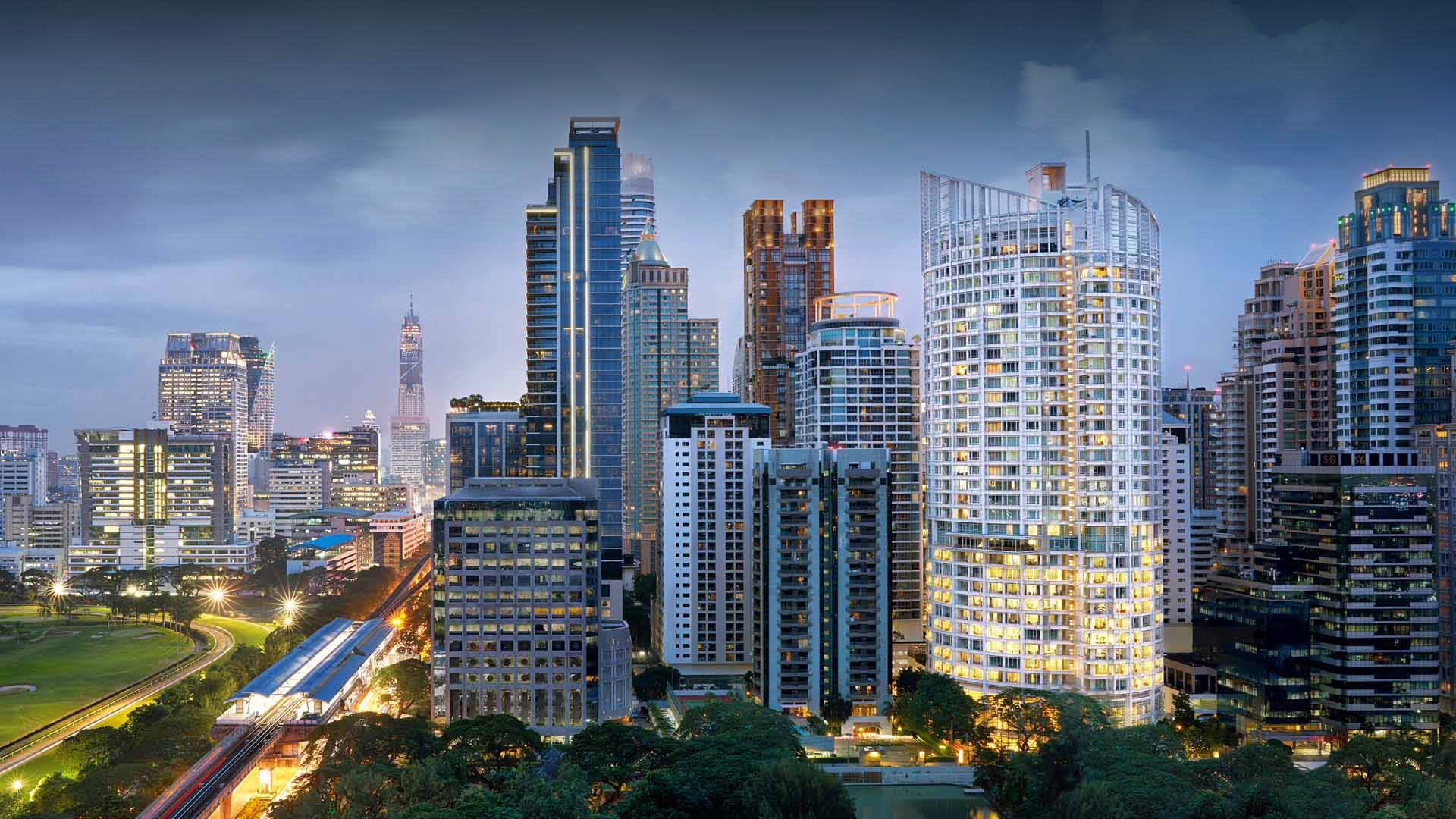 https://assets.anantara.com/image/upload/q_auto/media/minor/anantara/images/anantara-baan-rajprasong-bangkok-serviced-suites/the-resort/anantara_baan_rajprasong_exterior_header_1920x1080.jpg
