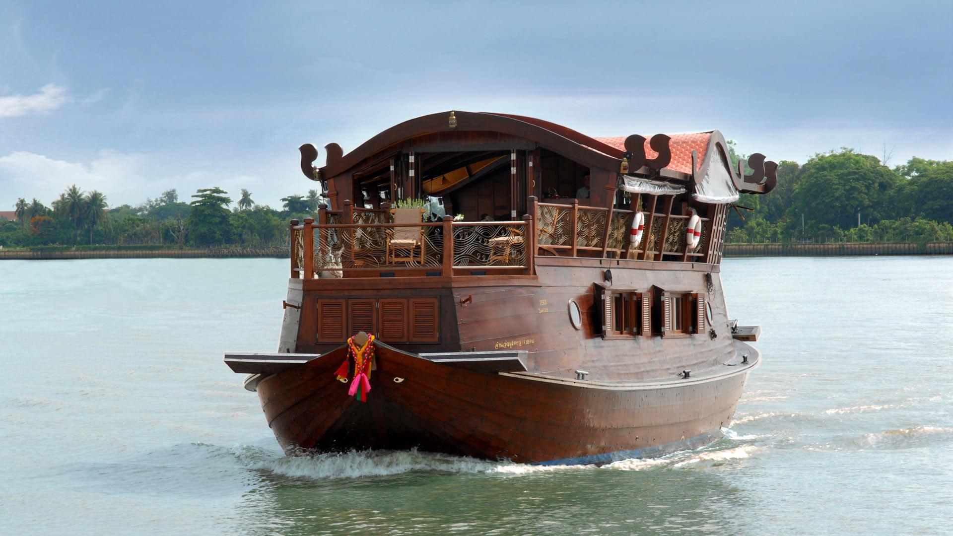 Chao Phraya River Cruise Bangkok   Manohra Cruises Bangkok Thailand