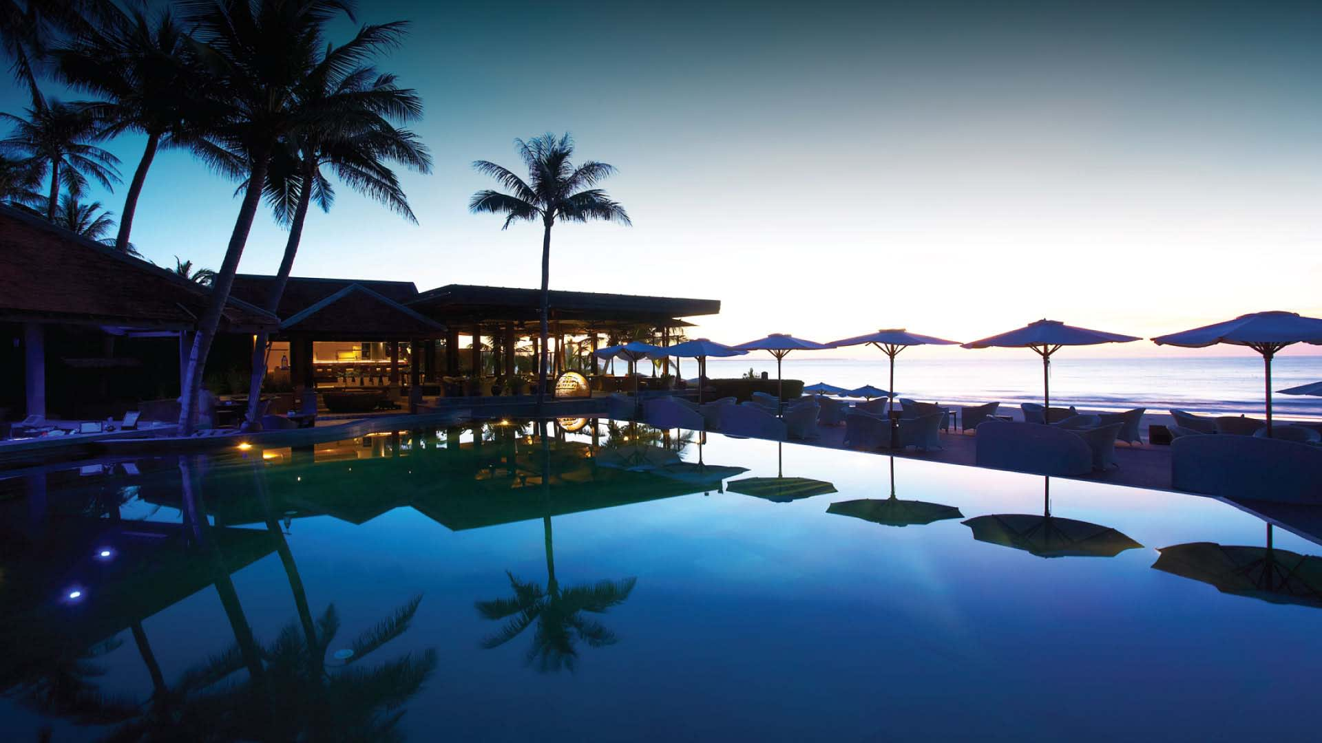 https://assets.anantara.com/image/upload/q_auto/media/minor/anantara/images/anantara-mui-ne-resort/the-resort/desktop-banner/anantara_mui_ne_pool_header_1920x1080.jpg