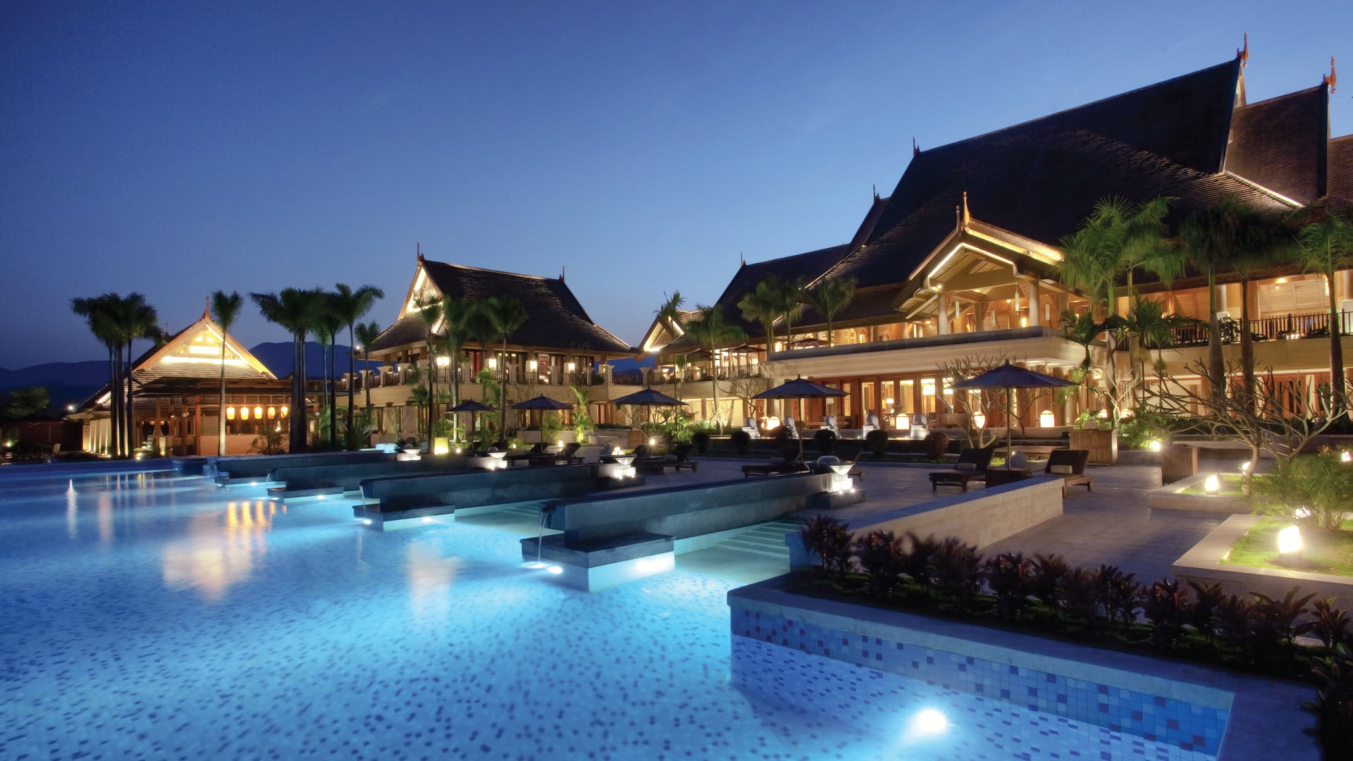 https://assets.anantara.com/image/upload/q_auto/media/minor/anantara/images/anantara-xishuangbanna-resort/the-resort/desktop-banner/anantara_xishuangbanna_exterior_banner_1920x1080.jpg